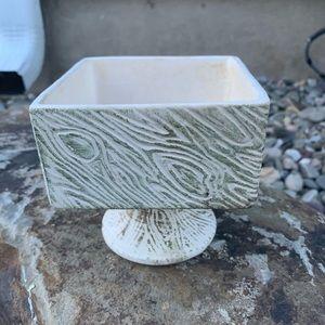 MCCoy planter/ vase